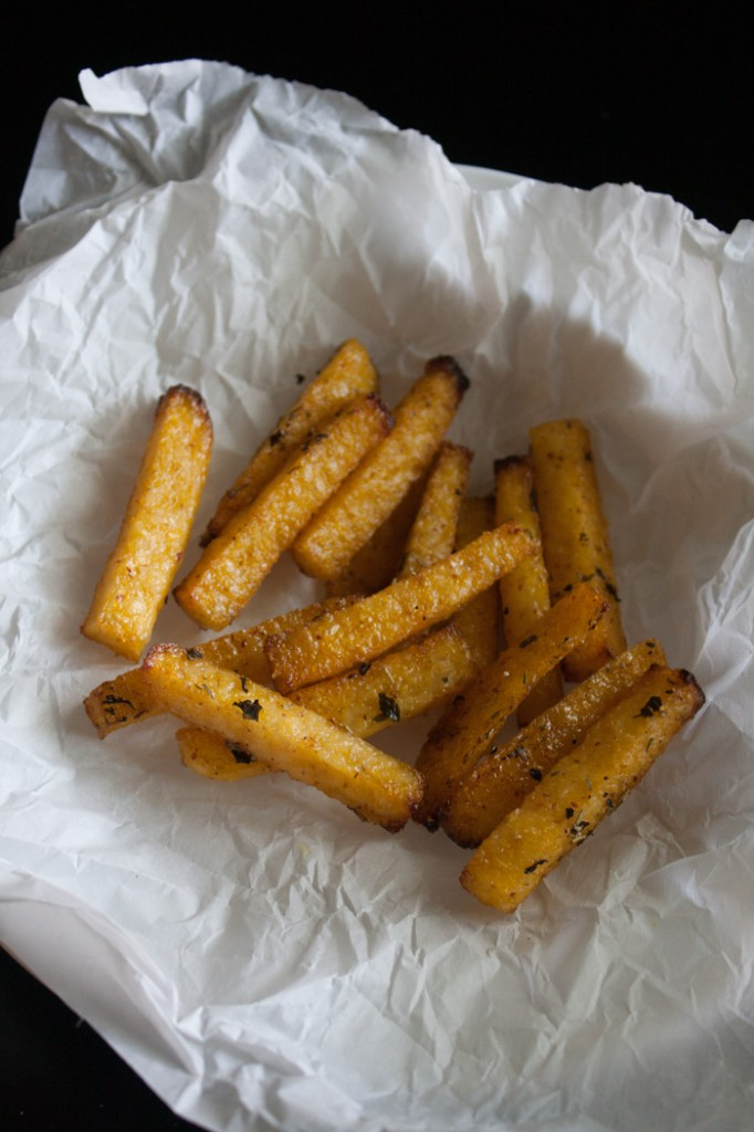 easy-vegan-polenta-fries-6